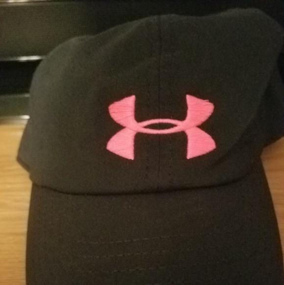 114281b00 WOMENS Under armour black/pink hat